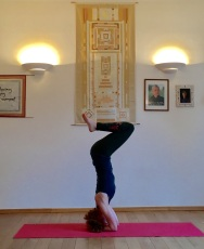 Headstand_4